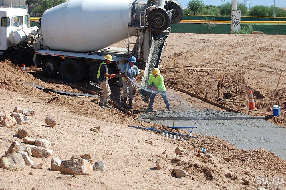 Доставка бетона с бетононасосом